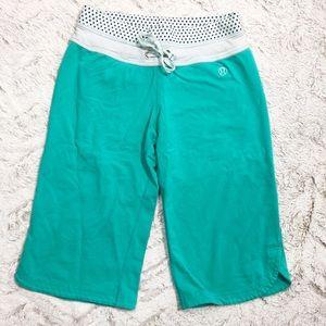 Lululemon • Bermuda Shorts
